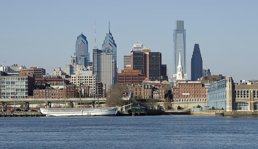 philadelphia-skyline-from-the-delaware-river-brendan-reals